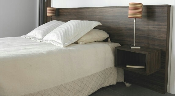 t te de lit c sar avec chevets int gr s. Black Bedroom Furniture Sets. Home Design Ideas